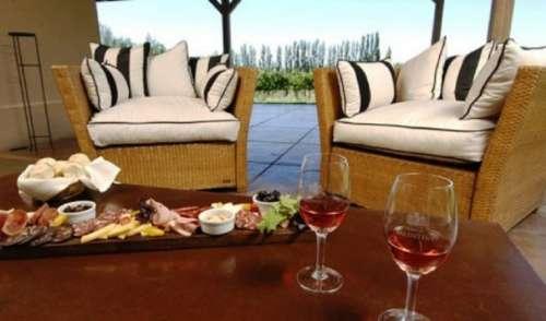 Living - Comida & Vino
