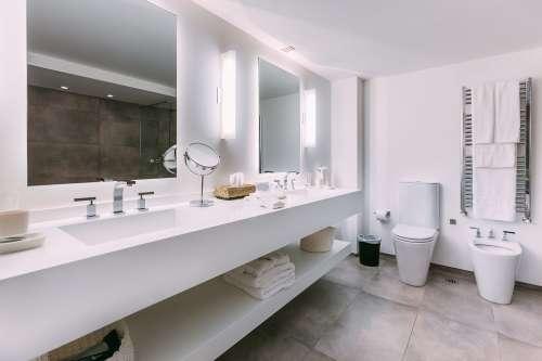 Bathroom - Studio Suite